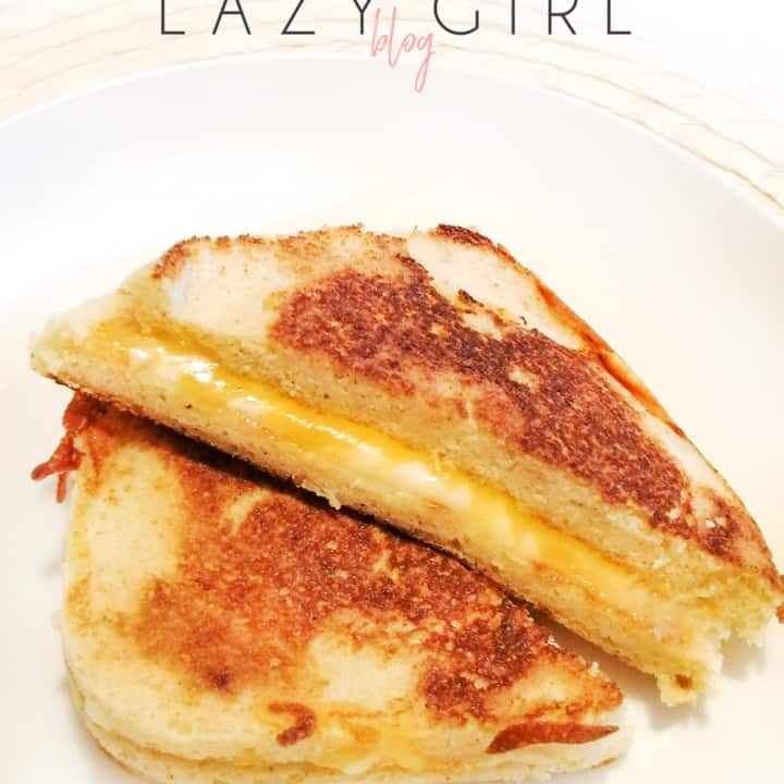 A healthy and tasty keto grilled cheese made with 90 second bread, then grilled in butter until perfectly golden and cheesy. Lunch or dinner idea that kids love too.