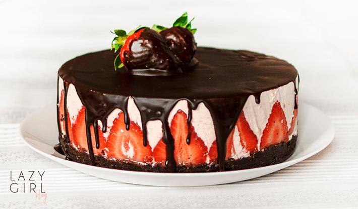 No Bake Chocolate Strawberry Cheesecake.